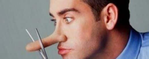 Длинный нос мужчина врет
