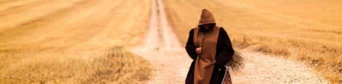 Йог идет по пустыне