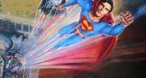 Супермен летит в небо